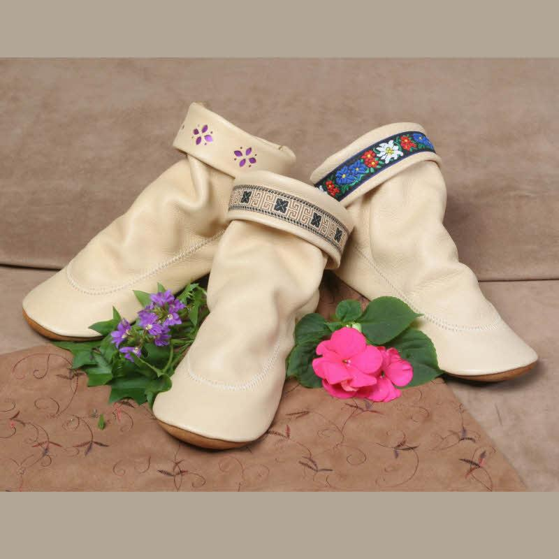 Creme Deerskin (Flower Petal, Tan Aztec Braid, Flower Garden Braid)